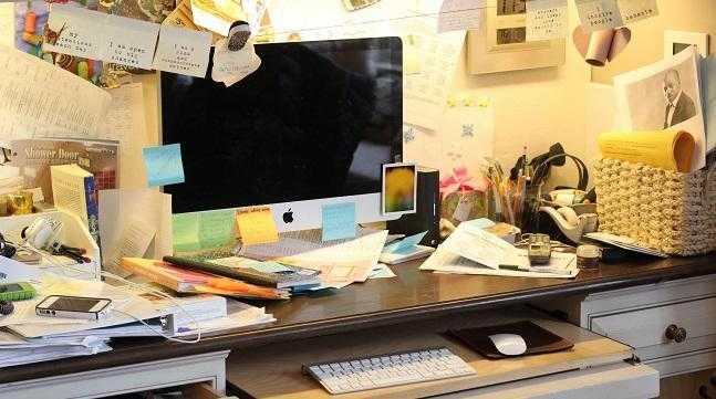 Bạn có muốn làm việc ở chiếc bàn bừa bãi như thế này không?